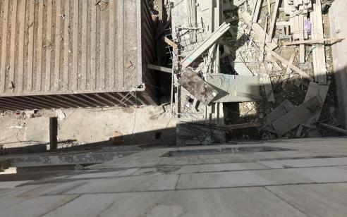 אשקלון: עובד נפל ממכולה ונפצע באורח קשה