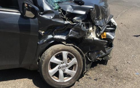 פצועה בינוני ו-11 קל בתאונה בין 3 רכבים בכביש 687 סמוך לציידה