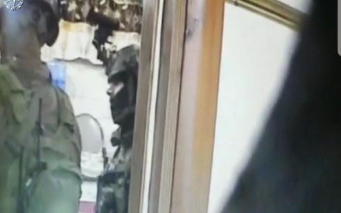 צפו: ערבי תושב השטחים נעצר בחשד לאונס קטינה בתל אביב