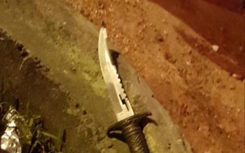 שלושה מחבלים עם רימון גז וסכין נעצרו הערב בגבול עזה לאחר שחצו את הגדר