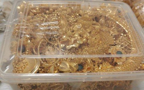 """נעצר חשוד בהברחת כ-23 ק""""ג תכשיטי זהב בשווי של כ-1,300,000 דולר"""