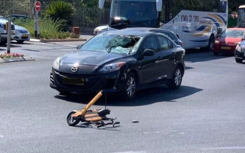 רוכבת קורקינט חשמלי נפגעה מאוטובוס ברמת גן – מצבה בינוני