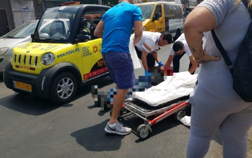 הולך רגל נפגע מאופניים חשמליים בתל אביב – מצבו בינוני