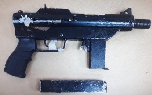 שני תושבי כפר קרע נעצרו לאחר שנתפסו ברשותם כלי נשק מסוג קרלו ותחמושת