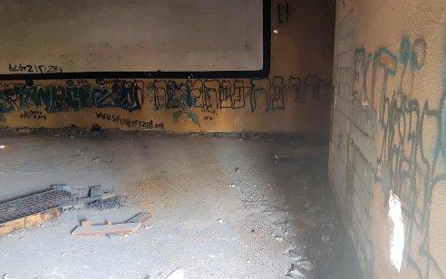 """בגלל חוב של 3,000 ש""""ח: שני צעירים חטפו ועינו אדם ללא מזון במשך ארביה ימים במקלט"""