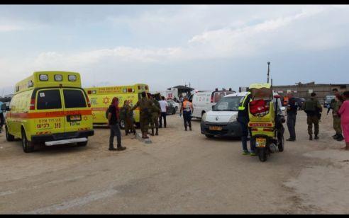 חמישה בני משפחה נפצעו, חלקם במצב אנוש וקשה, ממכת ברק בחוף זיקים