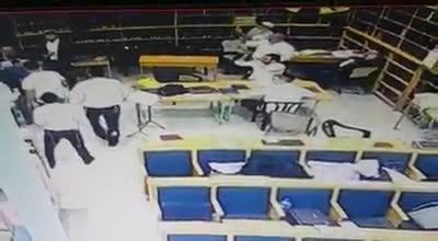 תיעוד ממצלמות אבטחה: רון קובי נכנס לישיבה של הרב קוק ותקף תלמידים