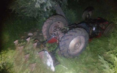 נהג טרקטור כבן 60 נהרג לאחר שהתהפך בשטח חקלאי סמוך למר׳אר
