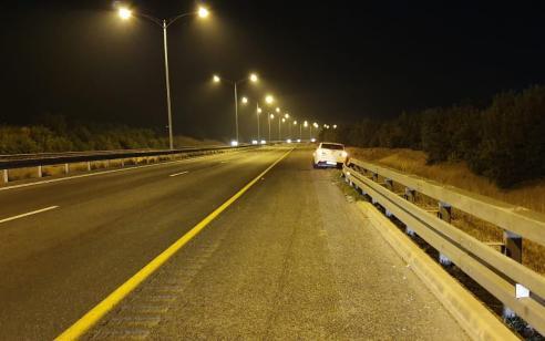 """צפו: תושיה ונחישות קצין אגף התנועה ומוקד כביש 6 הביאו לעצירת רכב שדהר במהירות 120 קמ""""ש לאחר שאיבד את הבלמים"""