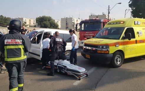 גבר בן 22 נפצע בינוני בתאונה בתל אביב