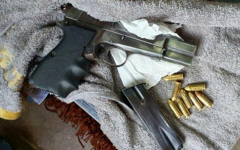 המשטרה תפסה נשק, תחמושת וסמים בכמויות של סחר – החשוד נעצר