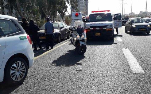 הולך רגל כבן 50 נפגע מרכב בכביש 4 סמוך לאם המושבות – מצבו בינוני