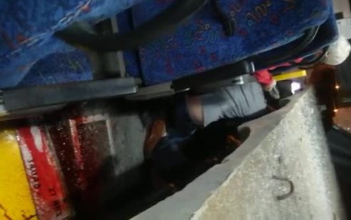 """התנגשות האוטובוס סמוך לנתב""""ג: תיעוד מתוך האוטובוס שניות אחרי התאונה – מעצרו של הנהג הוארך בארבעה ימים"""