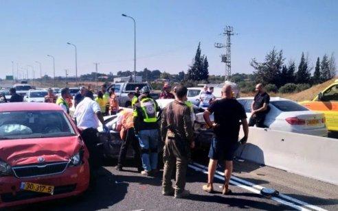 שלושה פצועים בינוני בתאונה בין 2 רכבים בכביש 79 סמוך לצומת יפתחאל