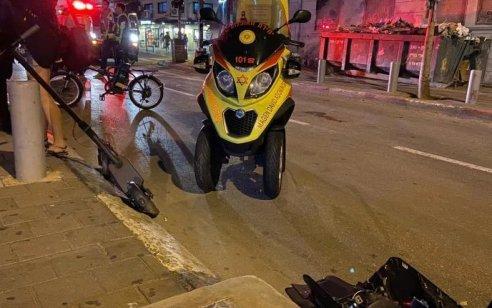 תיירת בת 30 נפלה מקורקינט חשמלי בתל אביב ונפצעה קשה