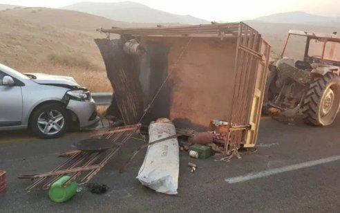 פצוע קשה בתאונה בתאונה בין משאית לטרקטור סמוך לדיר חנא