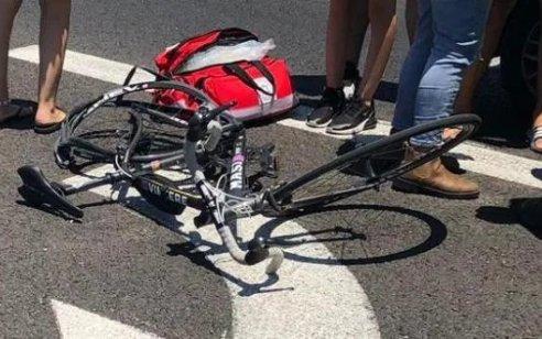 רוכב אופניים בן 40 נפגע מרכב בעפולה – מצבו בינוני
