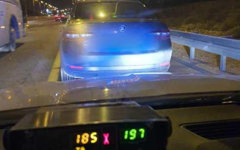 """שוטרי אגף התנועה תפסו תושב באר שבע במהירות 185 קמ""""ש בכביש 40"""
