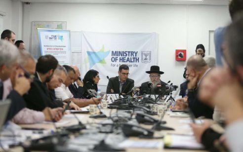 ראש הממשלה יכנס מחר דיון רב משתתפים להתמודדות עם נגיף הקורונה: ״לא לוקחים סיכונים מיותרים״