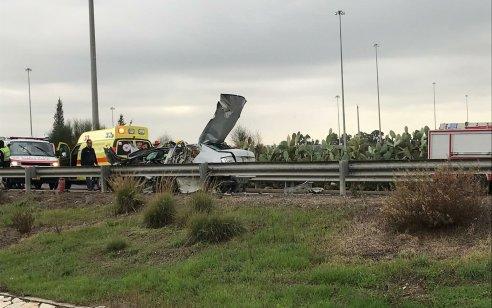חשד לרצח: גבר כבן 40 נהרג ושניים נפצעו קשה ובינוני בפיצוץ רכב בכביש 6 סמוך לניצני עוז