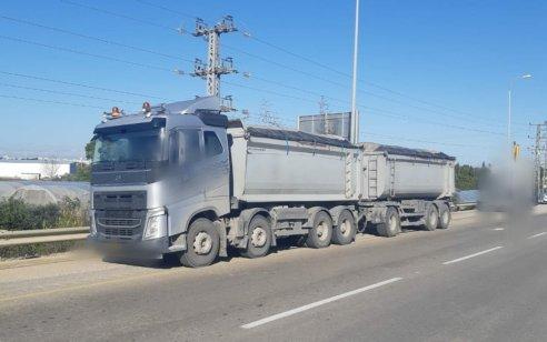 נהג משאית פול טריילר נתפס עם חריגה במשקל של 43 טון – חריגה של 94%