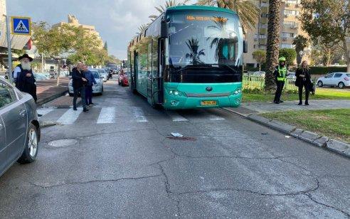 הולך רגל כבן 60 נפצע קשה מפגיעת  אוטובוס בחולון
