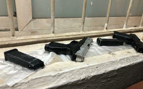 לוד: רעולי פנים שדדו שליח פיצה באיומי אקדחי איירסופט – ונעצרו