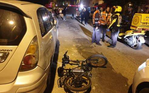 צעיר שרכב על אופניים חשמליים נפצע בינוני בתאונה בחיפה