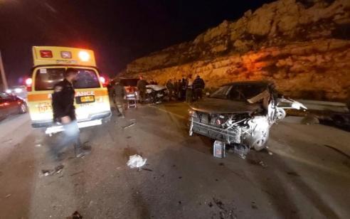 גבר כבן 30 נהרג ושלושה נפצעו קל-בינוני בתאונה בין שני רכבים בכביש 5 סמוך לאורנית