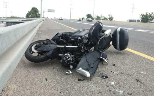 רוכב אופנוע בן 33 נפגע מרכב בכביש 7 סמוך לאשדוד – מצבו בינוני