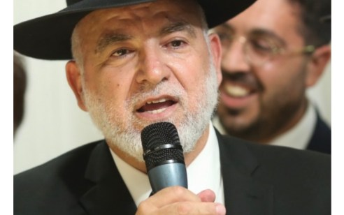 """דרמה בעולם הכשרות: ראש המועצה הדתית של חיפה לשעבר הרב אברהם ויצמן נבחר לתפקיד מנכ""""ל איגוד הרבנים בישראל."""