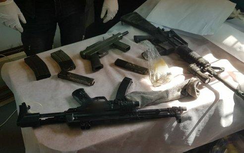בפעילות המשטרה בצפון נתפסו נשקים, מחסניות, רימון גז ותחמושת רבה – 5 חשודים נעצרו