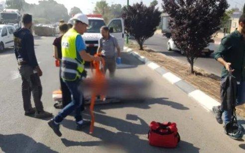 רוכבת אופניים בת 56 נפצעה במהלך רכיבה ברמת השרון – מצבה בינוני