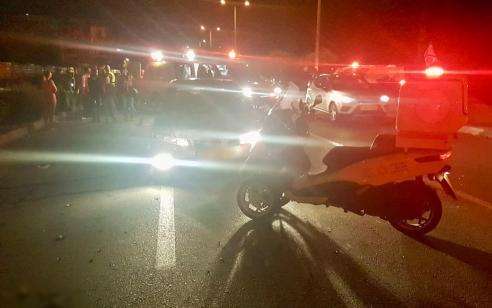 רוכב אופניים חשמליים כבן 35 נפגע מרכב בנס ציונה – מצבו בינוני