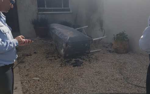 קסריה: שני גברים נפצעו קשה ואישה קל עד בינוני בפיצוץ מיכל דלק