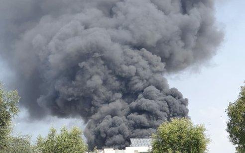 תיעוד: שריפת חנות חלקי חילוף באשקלון – אין נפגעים