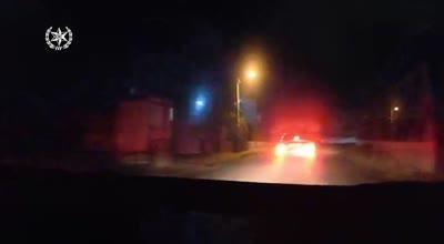 צפו: נעצר גבר שנהג ברכבו בפראות ובסיום המרדף התברר כי מעולם לא הוציא רשיון נהיגה