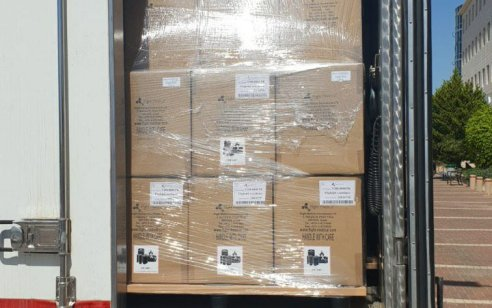 בשיתוף משרד הביטחון: 27 מכונות הנשמה ושמונה מיליון מסכות הגיעו לישראל