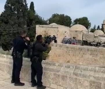 תושב תל אביב נעצר לאחר שהפעיל רחפן מעל הר הבית | תיעוד