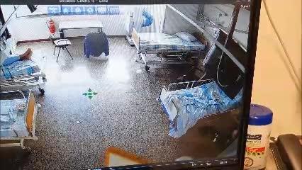 """אח """"ממוגן"""" וקו אדום: כך חגגו יום הולדת לחולה קורונה בבית החולים רמב""""ם"""