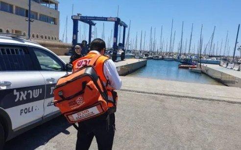 """אישה נמצאה ללא רוח חיים בחוף גורדון בת""""א – המשטרה חוקרת את נסיבות האירוע"""