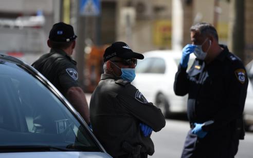 חולה קורונה מאומת נעצר בסמוך לתפילה שפוזרה אתמול בבני ברק עם 17 מתפללים