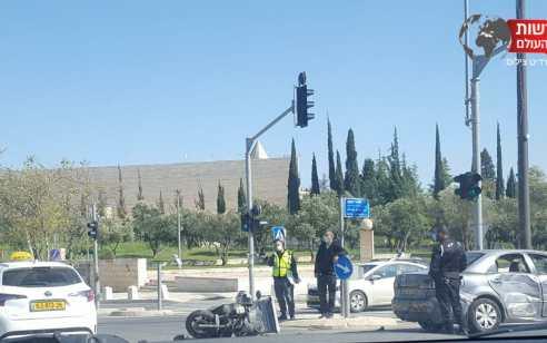 בתוך כשעה: 2 אופנוענים נפצעו בינוני בתאונות בירושלים