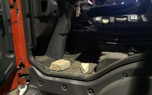 שני לוחמי אש נפגעו קל מידוי אבנים של מפגינים ערבים ביפו – חשוד נעצר