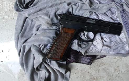 נשק מסוג FN, מחסניות ו 3 בקבוקי תבערה נתפסו בפשיטה על שכונת ואדי ג'וז במזרח ירושלים  – חשוד כבן 50 נעצר