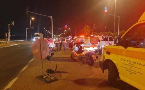 פצועה בינוני בתאונה עם מעורבות שני כלי רכב בצומת חפר