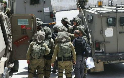 """צה""""ל עצר עד כה יותר מ-10 חשודים מהבניין שממנו הושלכה האבן שפגעה בלוחם סיירת גולני"""