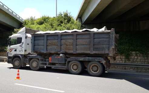 נתפס נהג משאית שהוביל מטען החורג ב-16 טון, כ-50% מעל המותר