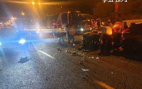 ירושלים: צעיר שרכב על אופנוע נפצע בינוני בתאונת דרכים