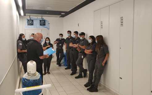 המאבטחים של צוות 3 נערכים לפתיחת מחלקת הקורונה באסותא אשדוד